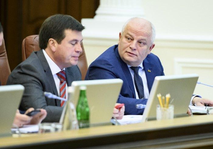 Степан Кубів і Геннадій Зубко на засіданні Кабміну