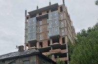 Судья ОАСК признал 9-этажку на Батыевой горе 4-этажным зданием с антресолями