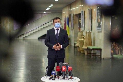 Зеленський заявив, що не планує повертатись до суворого карантину