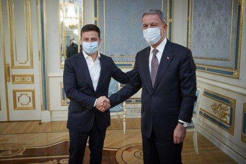 Зеленський зустрівся з міністром оборони Туреччини