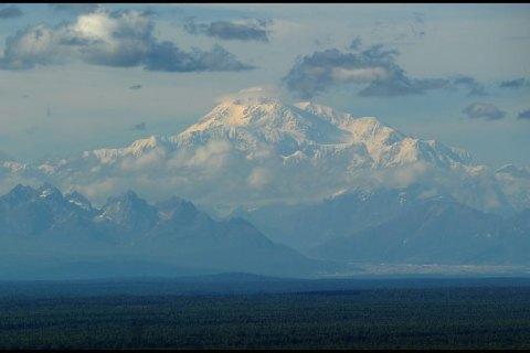 США переименовали самую высокую гору Северной Америки