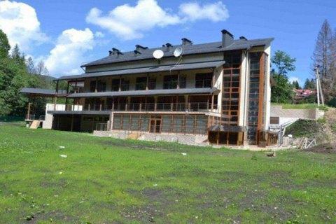 Скандально відому базу відпочинку НБУ в Яремчі вдалося продати за 17,3 млн гривень