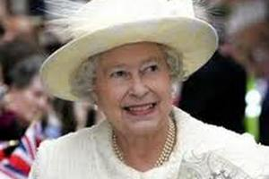 Елизавета II устроит частный обед для зарубежных монархов