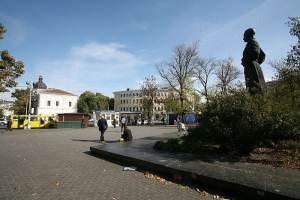 Контрактовую и Почтовую площади сделают пешеходными зонами