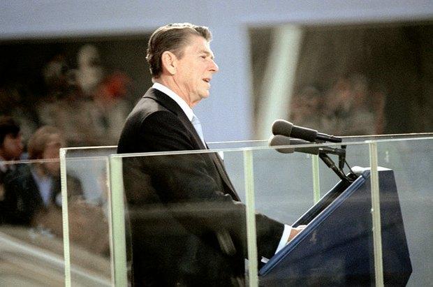 Рональд Рейган произносит инаугирационную речь, 20 января 1981.