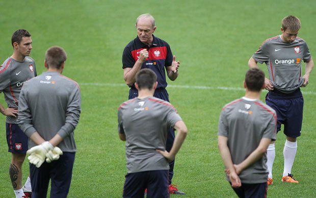 Сумні поляки немов передчувають поразку в матчі зі збірною Англії