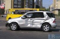 В Киеве маршрутка протаранила две машины
