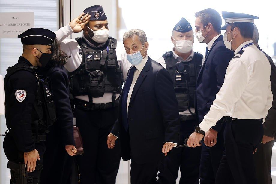 Колишній президент Франції Ніколя Саркозі перед судовим засіданням, Париж, 01 березня 2021