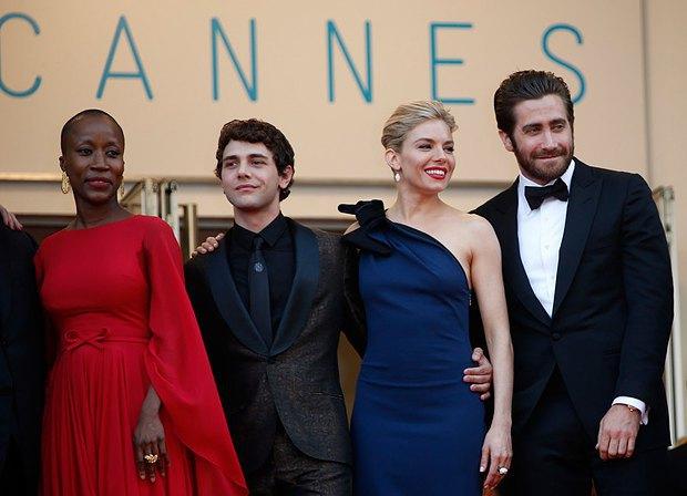 Слева направо: члены жюри малийская композитор Рокия Траоре, канадский режиссер Ксавье Долан, британская актриса Сиенна Миллер и американский актер Джейк Гилленхаал
