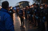 В Париже со слезоточивым газом выселили нелегальный лагерь мигрантов