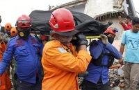 Число жертв землетрясений в Индонезии возросло до 56 человек