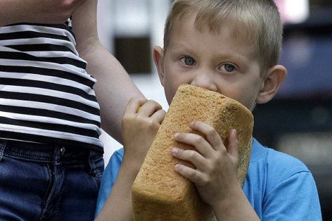 Власти Петербурга предупредили о возможном дефиците хлеба в городе