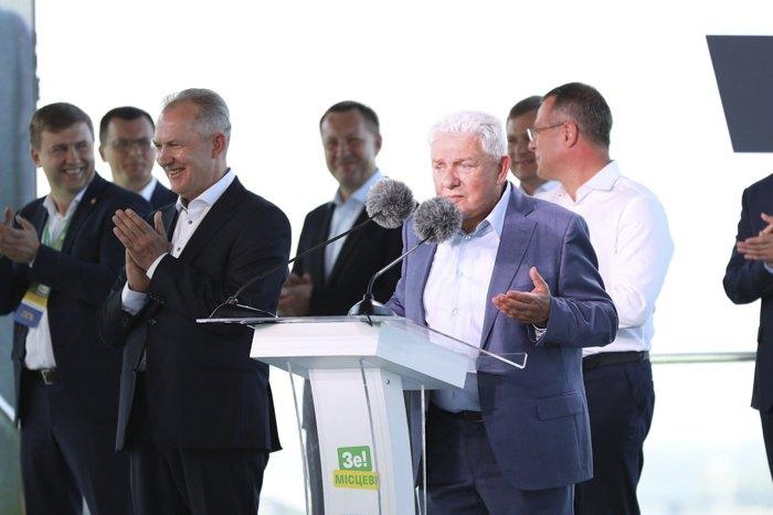 Олег Філімонов презентує Стратегію розвитку області та команди, яка йде на місцеві вибори.
