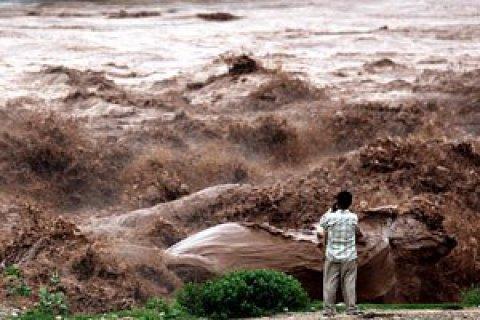 Число жертв наводнения в Индии превысило 600 человек