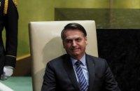 Президент Бразилії отримав штраф за те, що не одягнув маску