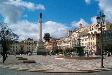 Лиссабон закрывают на выходные из-за ухудшения ситуации с коронавирусом