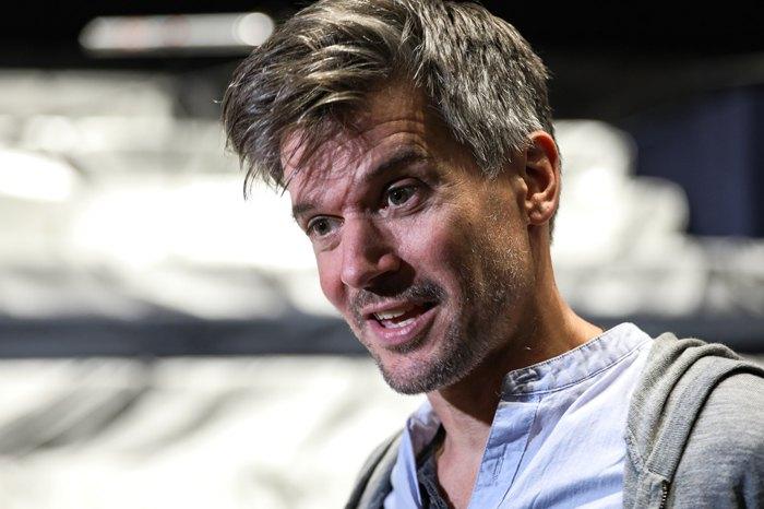 Бен Дюк, хореограф-постановник, художній керівник британської театральної групи Lost Dog