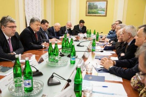 Порошенко предложил Германии и Франции направить своих представителей в СЦКК