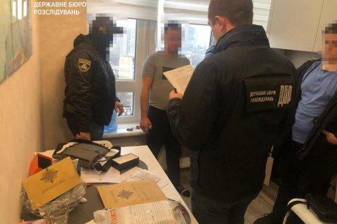 Двоє поліцейських з Одеської області інсценували затримання, щоб привласнити майже 20 тис. євро