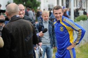 Шевченко: Янукович принесет удачу сборной Украины?