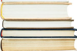 Житель Японии украл почти 900 книг