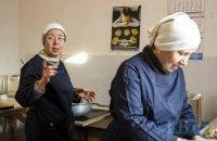Рукавичка для мами. Як під час карантину виживає соціальний бізнес, що допомагає самотнім матерям
