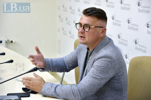 Потураєв і Корнієнко стверджують, що Дануцу змістили без порушення процедур