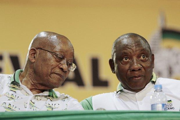Сирил Рамафоса (справа) и Джейкоб Зума, Йоханнесбург, 18 декабря 2017.