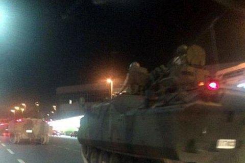 Туреччина видала ордери на арешт 243 військових в рамках розслідування спроби путчу