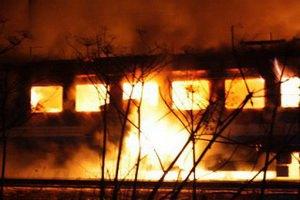Из-за возгорания поезда в Ленинградской области люди выпрыгивали из вагонов на ходу