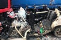Около Коломыи ВАЗ столкнулся с фурой, которая остановилась на встречной полосе, четыре человека погибли