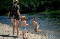 Комунальники тимчасово заборонили купатися на 8 пляжах Києва