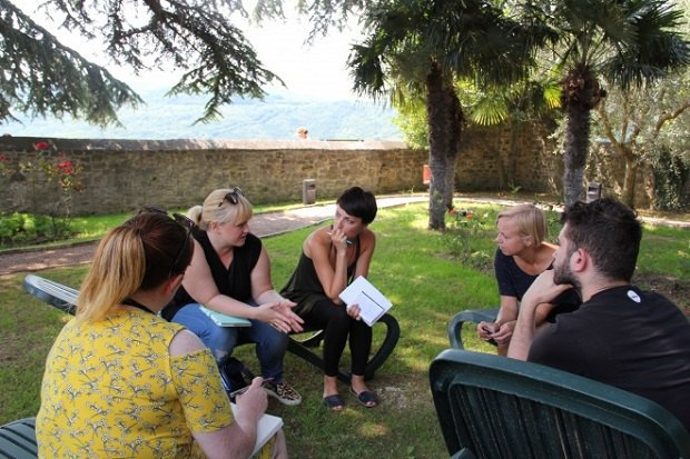 Робота з колегами у групах - частина воркшопів (с) ІСО