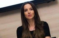 Яніка Мерило працює на Україну безкоштовно