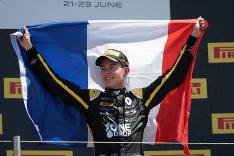 Гонщик Формулы-2 Антуан Юбер погиб в результате аварии в гонке на трассе в Спа-Франкоршамп