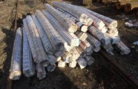 СБУ предотвратила контрабанду 25 тыс. пачек сигарет, спрятанных в бревнах