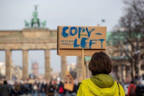 Европарламент проголосовал за спорную реформу копирайта