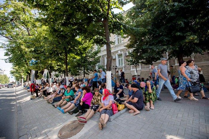Палаточный городок перед зданием Генеральной прокуратуры в Кишиневе, 10 июня 2019 года.