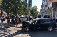 """Патрульный """"Приус"""" сбил пешеходов после столкновения на перекрестке в Сумах"""