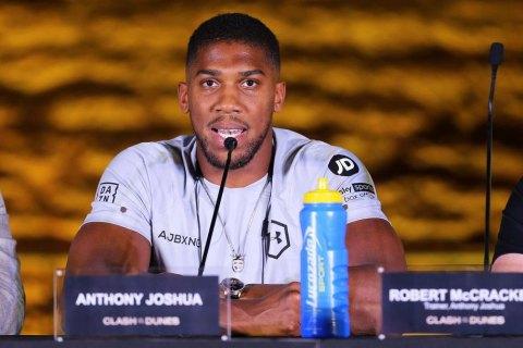 WBO обязала Джошуа провести защиту титула с Усиком в 180-дневный срок