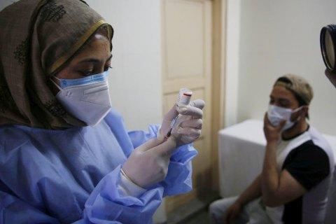 Индия возобновляет экспорт вакцин от COVID-19
