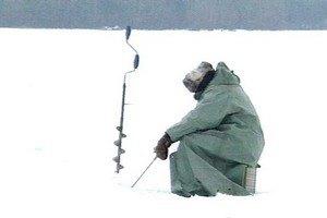 В Забайкалье ребенок ушел гулять в Китай, пока папа-рыбак бурил лунку