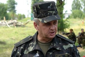 Муженко повідомив про наступ 5 тис. бойовиків біля Донецька