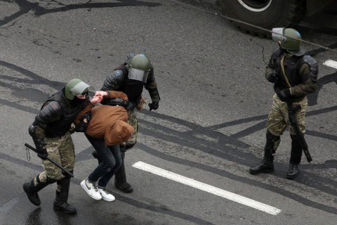 На недільних акціях в Білорусі затримали 140 протестувальників