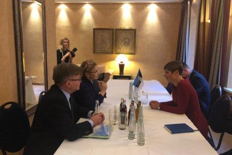 Тимошенко в рамках Мюнхенской конференции встретилась с президентом Эстонии