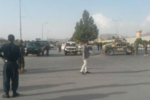 На парковці біля будівлі міністерства в Кабулі стався теракт