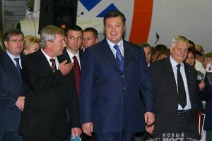 Янукович запустив завод з утилізації акумуляторів в Дніпропетровську