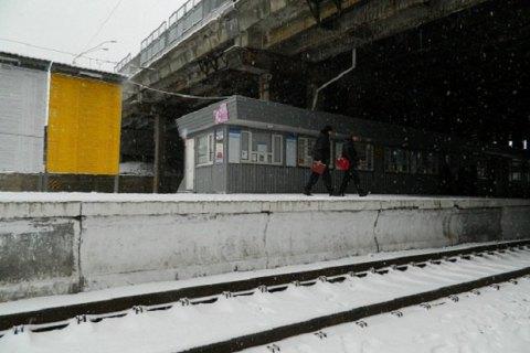 """В Киеве на станции """"Святошино"""" женщина бросилась под поезд"""