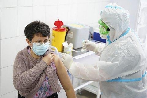 За прошедшие сутки в Украине от коронавируса привиты 1 713 человек