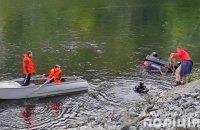 На Полтавщині автомобіль впав у річку, загинули троє людей